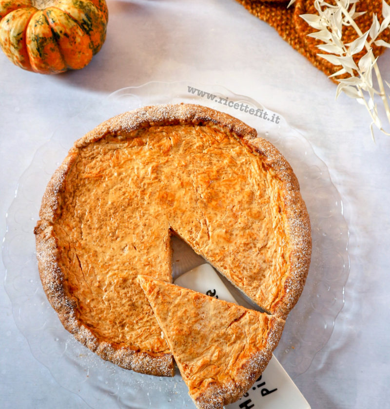 Crostata di zucca la pumpkin pie autunnale senza zucchero e light di LA VIE EST FIT