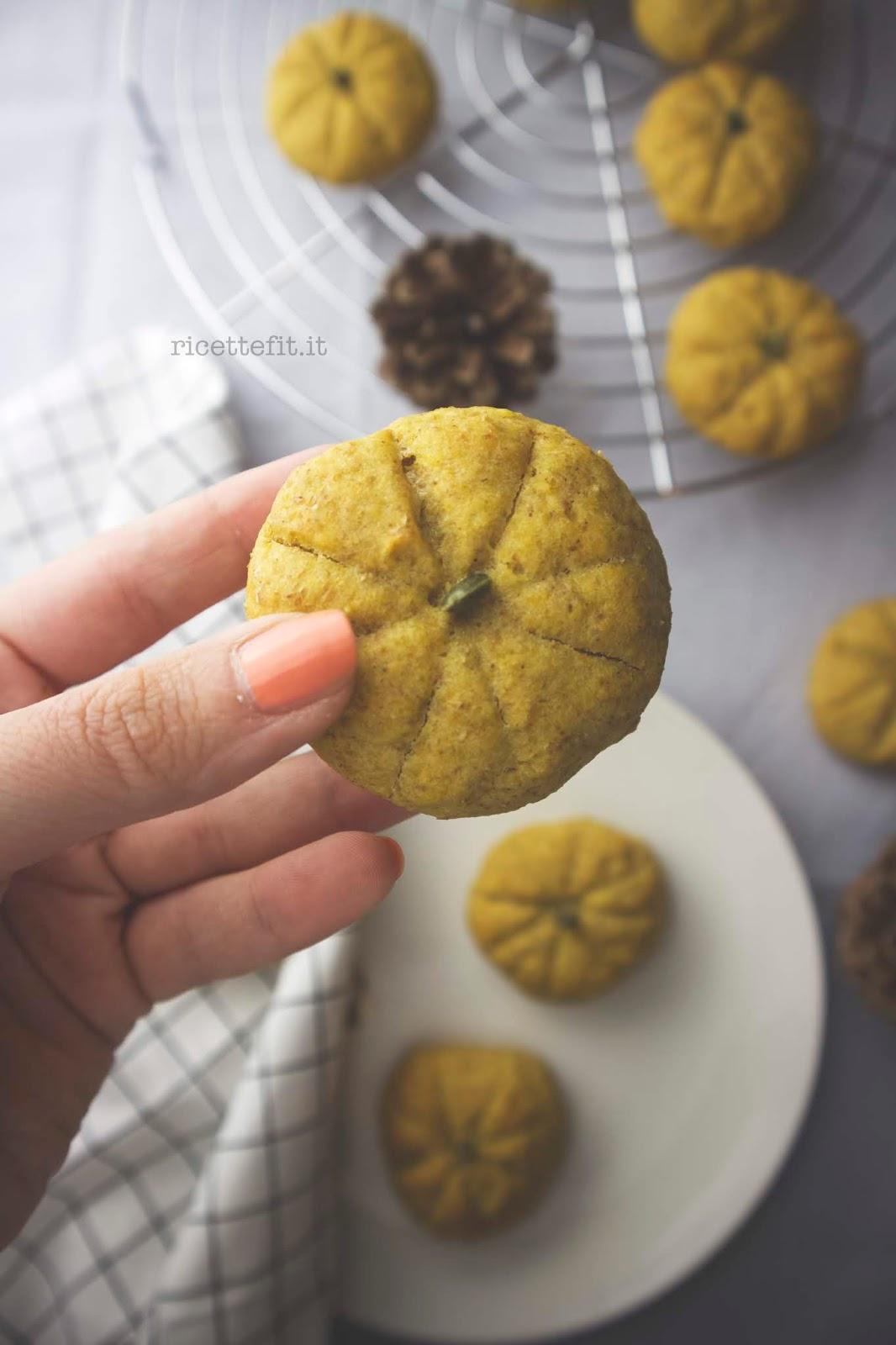 Biscotti alla zucca senza zucchero e lattosio light di LA VIE EST FIT