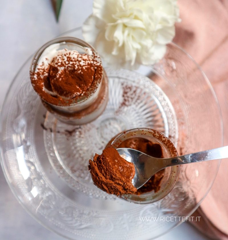 Mousse light al cioccolato senza glutine lattosio panna facile e veloce di LA VIE EST FIT