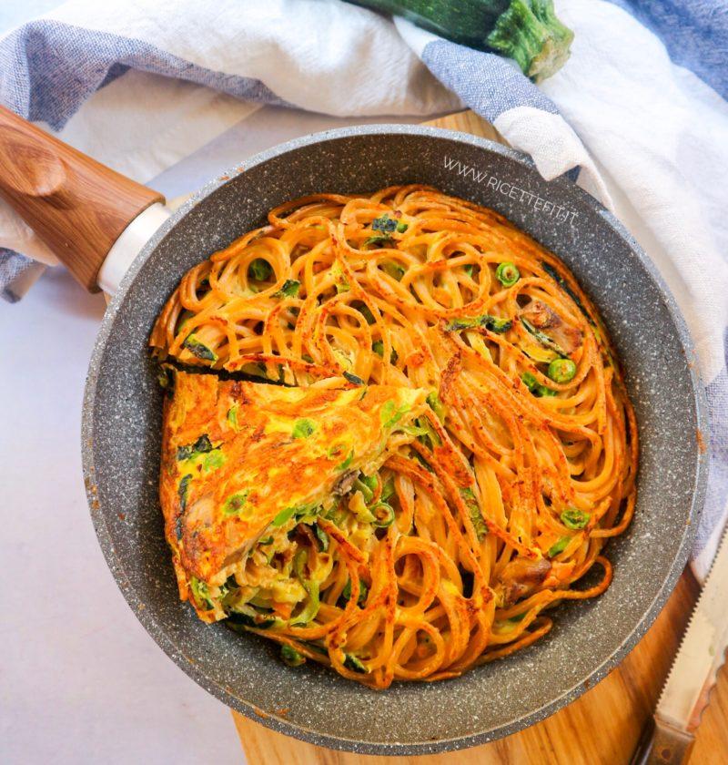 Frittata di spaghetti light primaverile senza lattosio DI LA VIE EST FIT