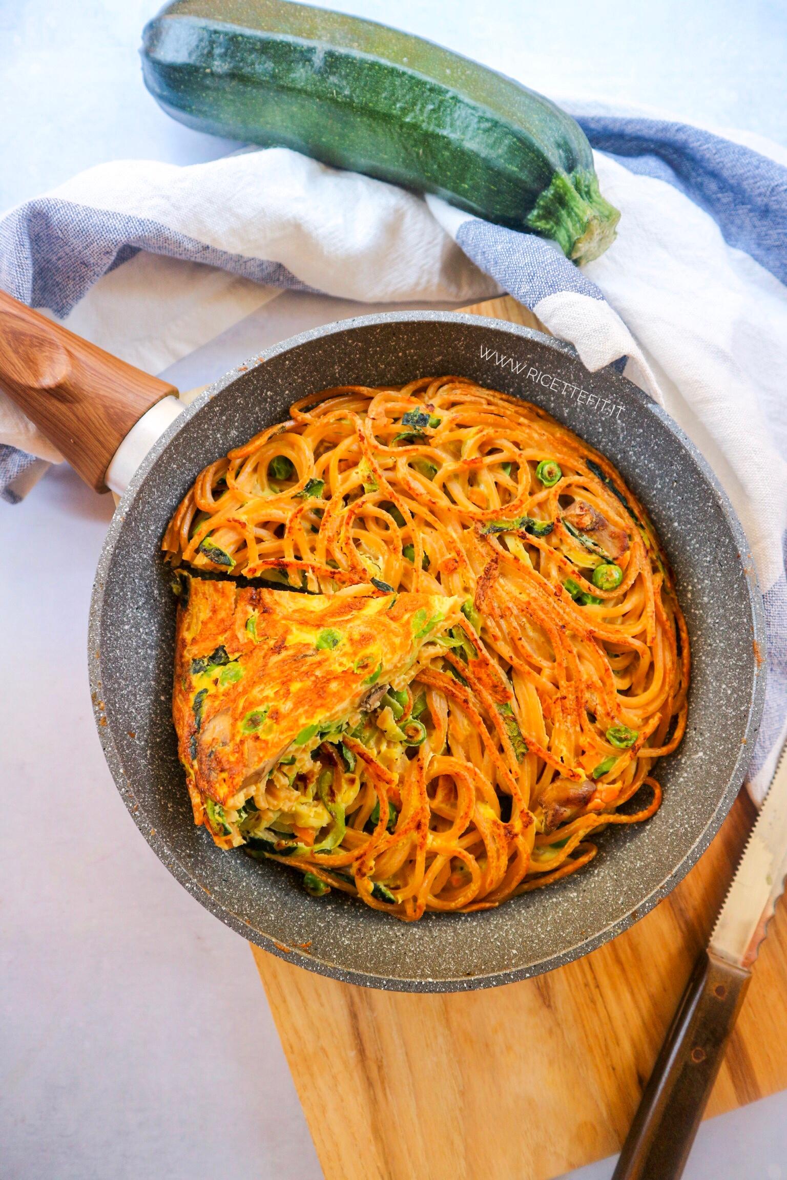 Noodles Ricetta Light.Ricette Fit Per Frittata Light Di Spaghetti E Verdure 490 Kcal Easy One Meal Pasta Omelette La Vie Est Fit
