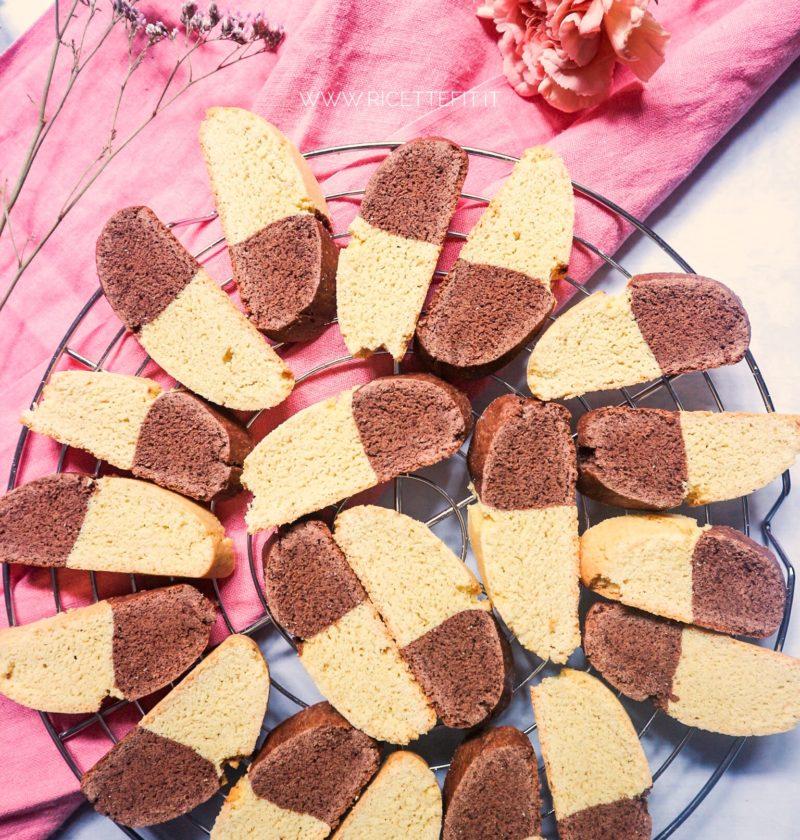 Biscotti rustici per la colazione cacao e vaniglia senza lattosio burro di LA VIE EST FIT