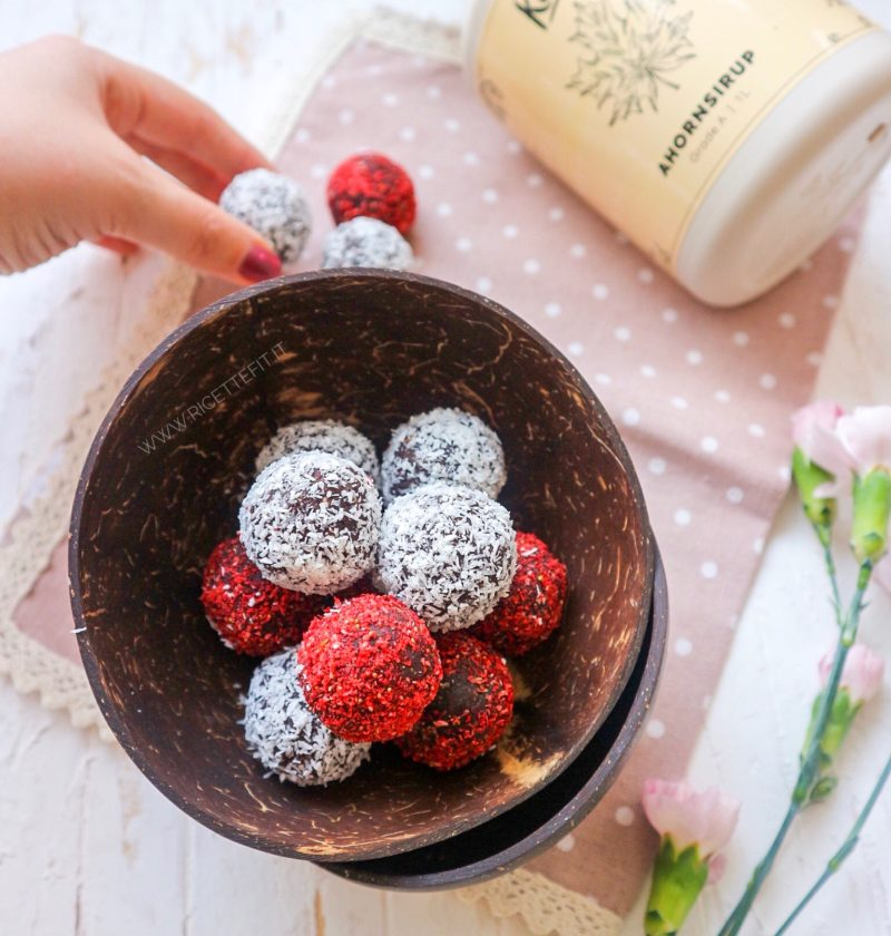 kokosbollar ikea palline di avena light senza zucchero palline energetiche senza glutine lattosio vegan di LA VIE EST FIT