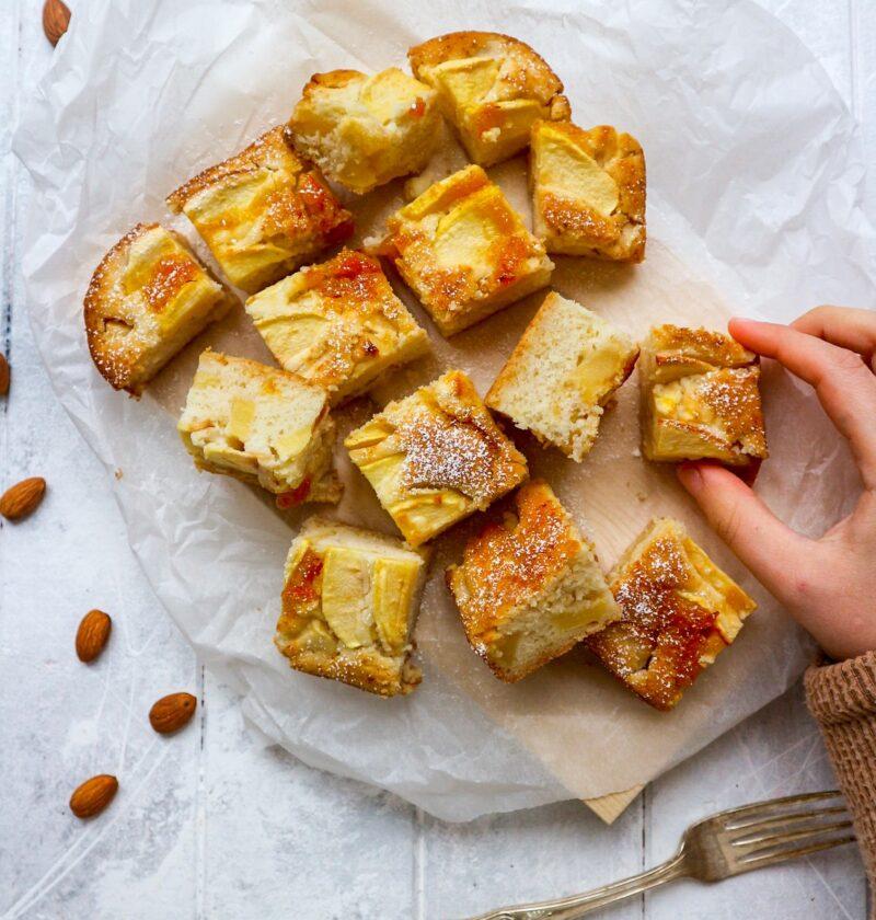 Torta di mele senza glutine e lattosio vegan senza uova senza zucchero super light magica facile di LA VIE EST FIT