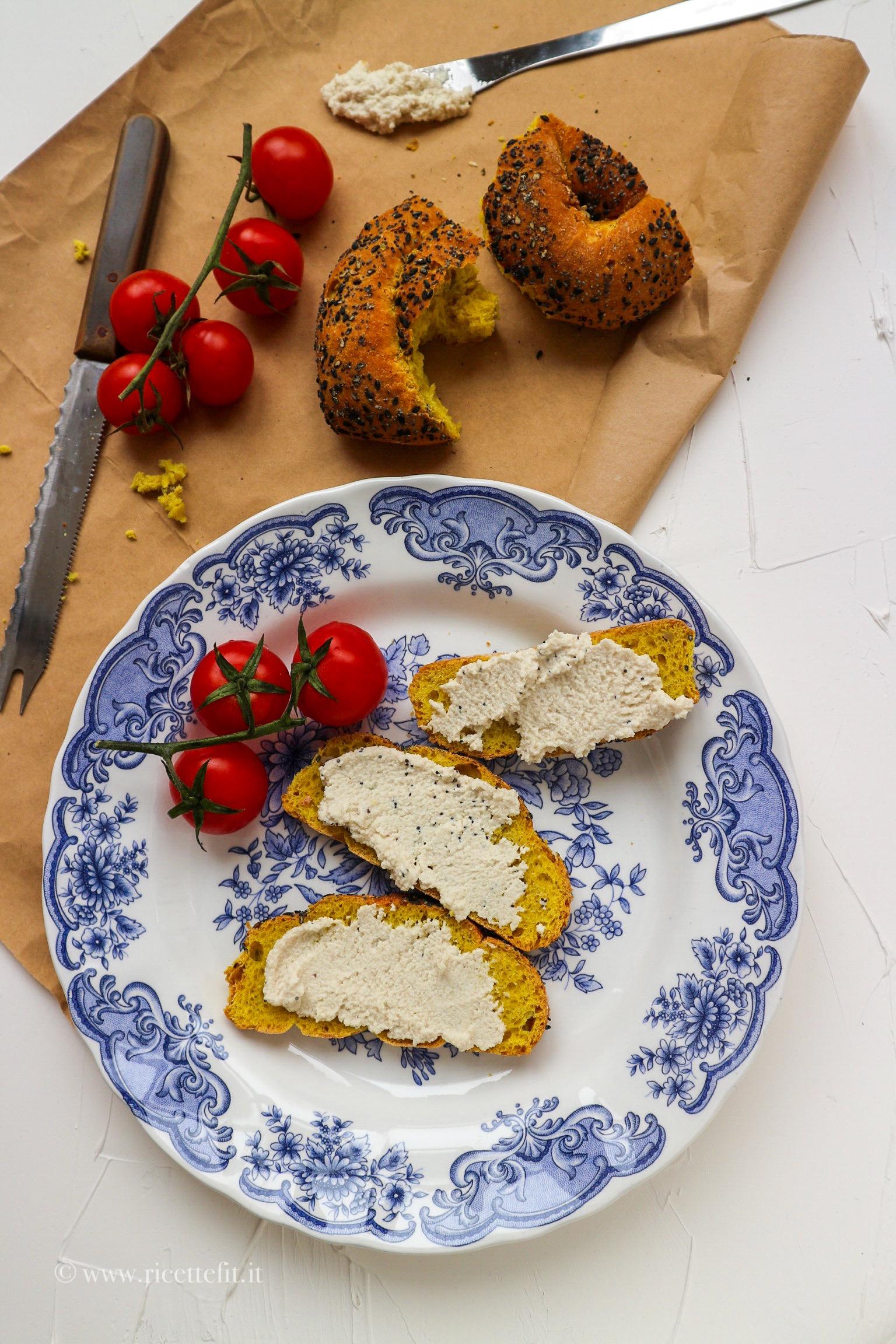 Formaggio di anacardi senza cottura secondo vegano vegetariano facile e veloce di LA VIE EST FIT